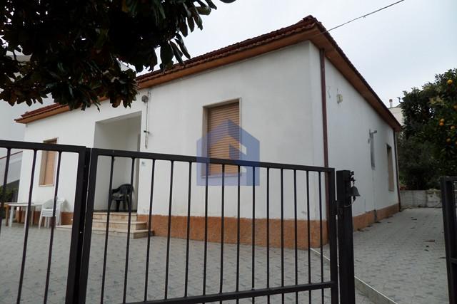 Graziosa casa singola con terreno e vista panoramica