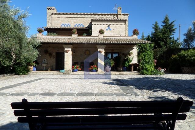 Villa with basement floor, garden and seaview terrace.