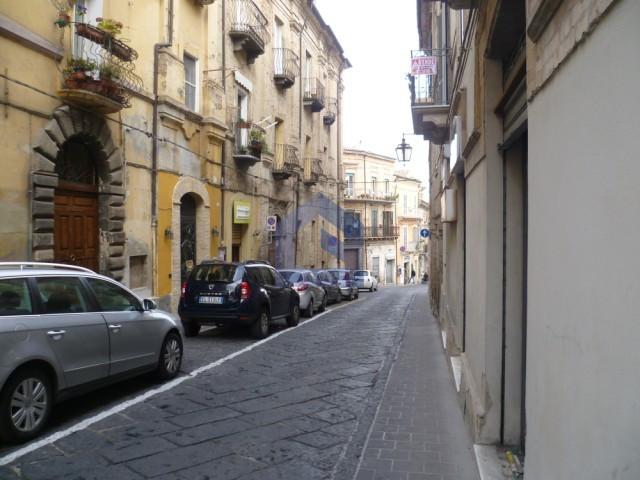 lanciano corso roma affittasi locale commerciale studio