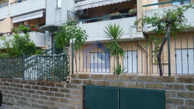 Lanciano: vendesi  appartamento  con giardino e garage.