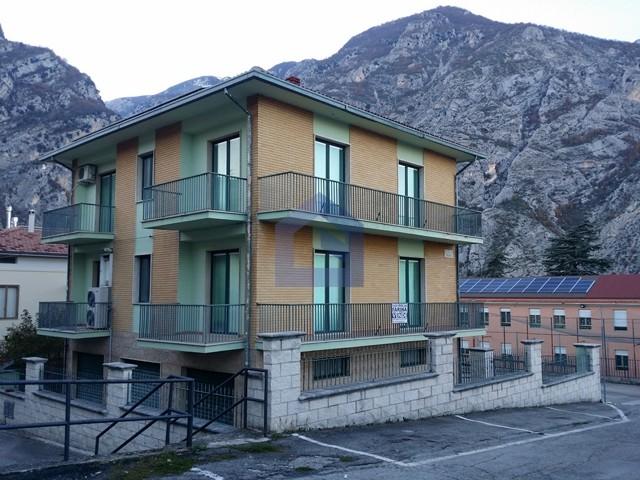 (Italiano) Casa singola con splendida vista