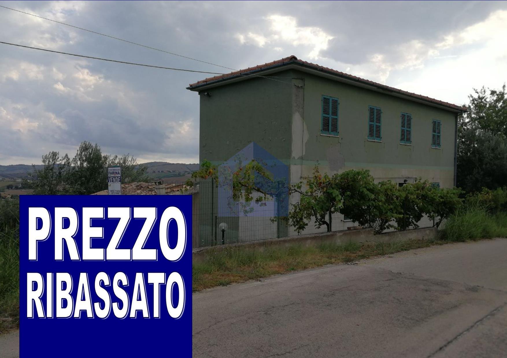 (Italiano) Archi: casa indipendente con terreno