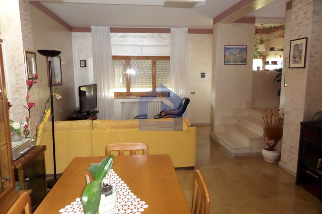 Atessa: lovely semi-detached house