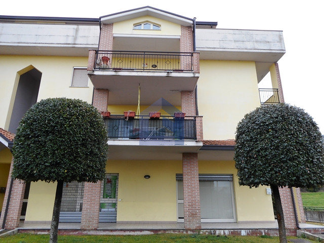 Piazzano di Atessa: appartamento e garage