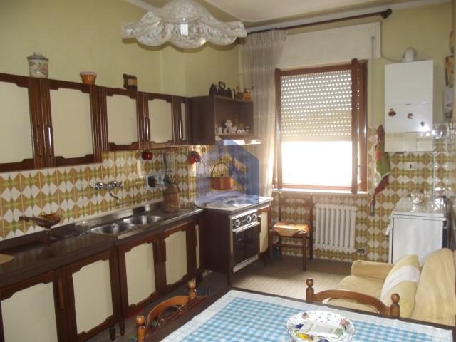 (Italiano) Vasto:  Appartamento in zona centrale