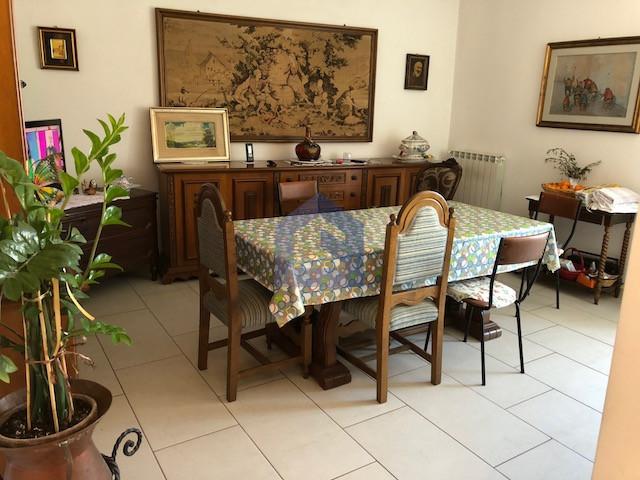 Pescara: ampio appartamento ammobiliato