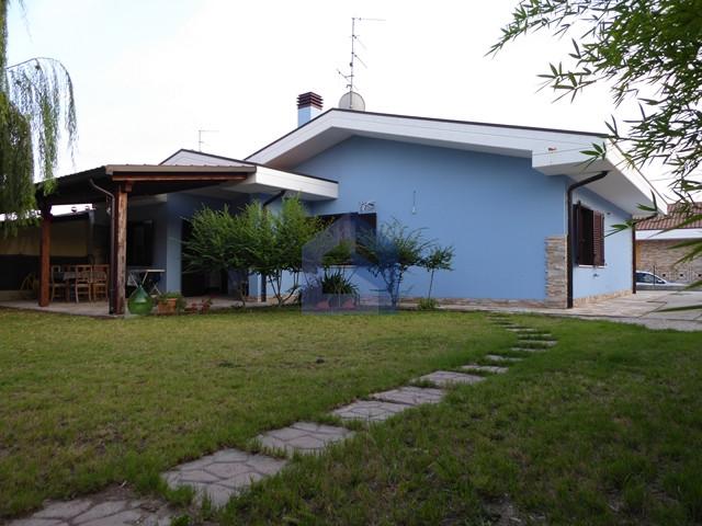 Mozzagrogna: Villa affiancata