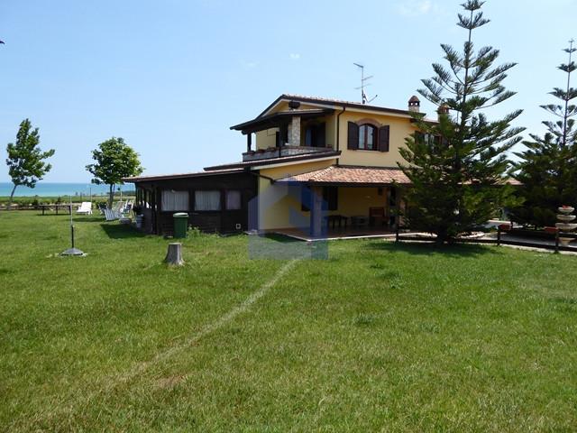 Montenero di Bisaccia: Villa adibita a B&B