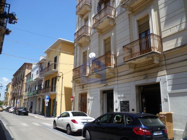 Lanciano: Centralissimo appartamento in palazzo storico