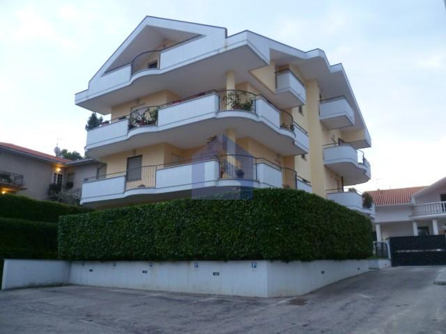 Castel Frentano: Ottimo appartamento con ampio garage