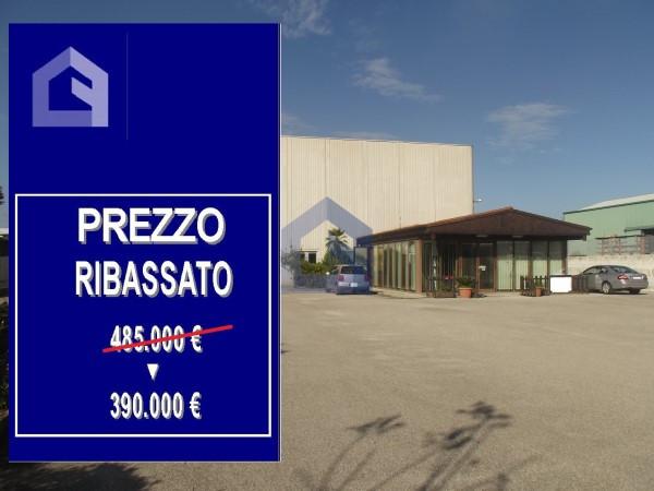 (Italiano) San Salvo: capannone nel cuore industriale