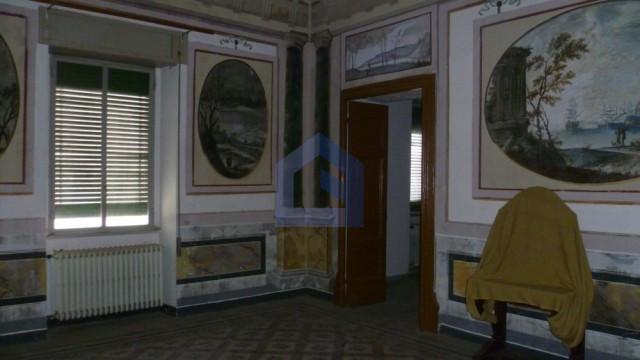 Lanciano: Prestigioso appartamento con affreschi