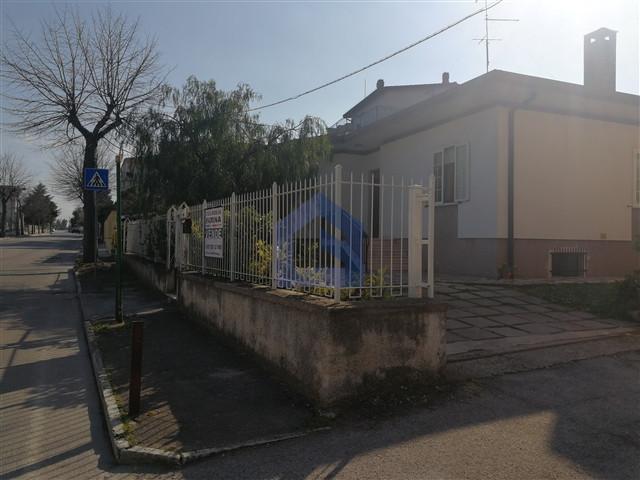 (Italiano) San Vito Chietino: Casa indipendente