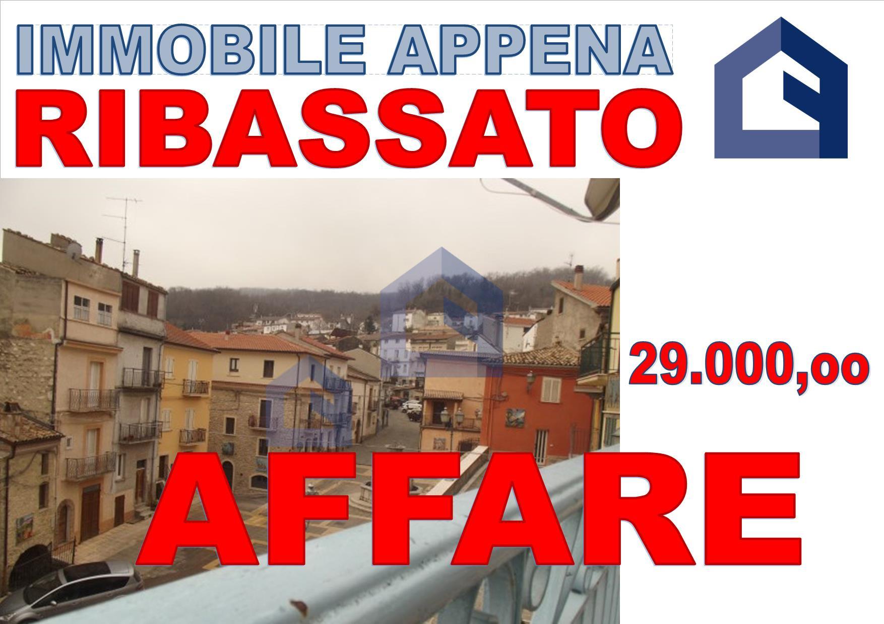 (Italiano) Tornareccio: immobile in pieno centro