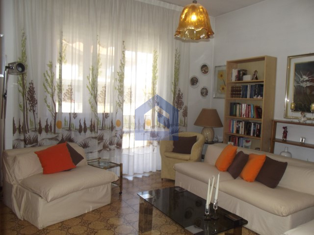 (Italiano) Francavilla al Mare: appartamento luminoso con garage