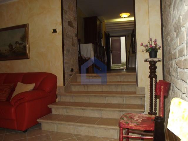(Italiano) Atessa:appartamento in pieno centro storico