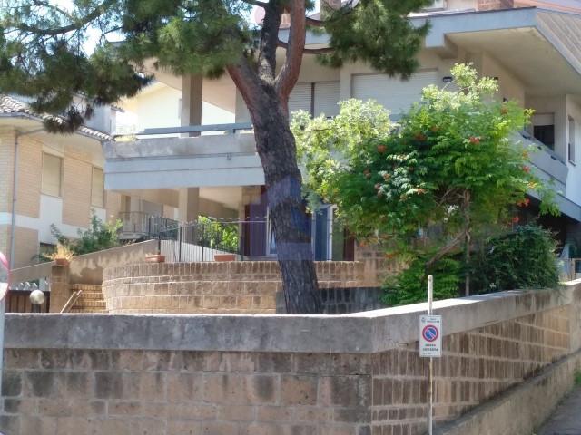 (Italiano) Francavilla al Mare: grazioso appartamentino al piano terra
