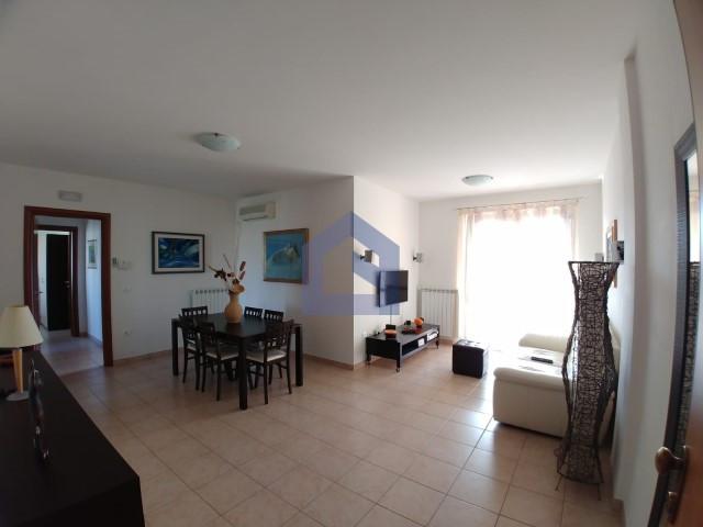 (Italiano) Atessa (Colle Pietre): un appartamento impeccabile