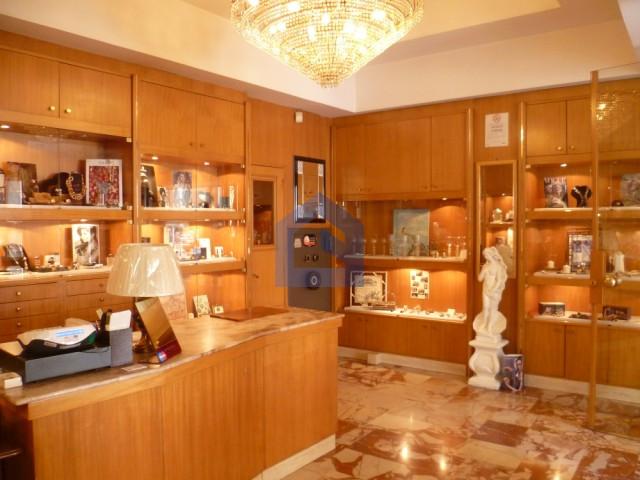 (Italiano) Lanciano: Corso Trento e Trieste trentennale attività di gioielleria
