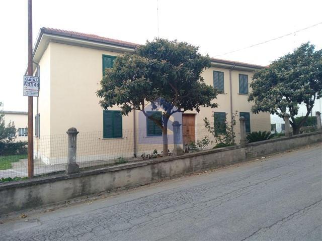 (Italiano) Torino di Sangro: appartamento finemente  ristrutturato