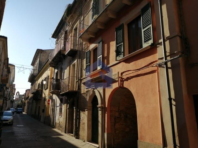 (Italiano) Lanciano – Casa d'epoca con taverna