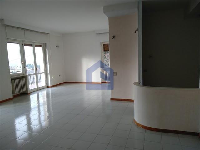 (Italiano) Atessa: maxi appartamento alle porte del centro