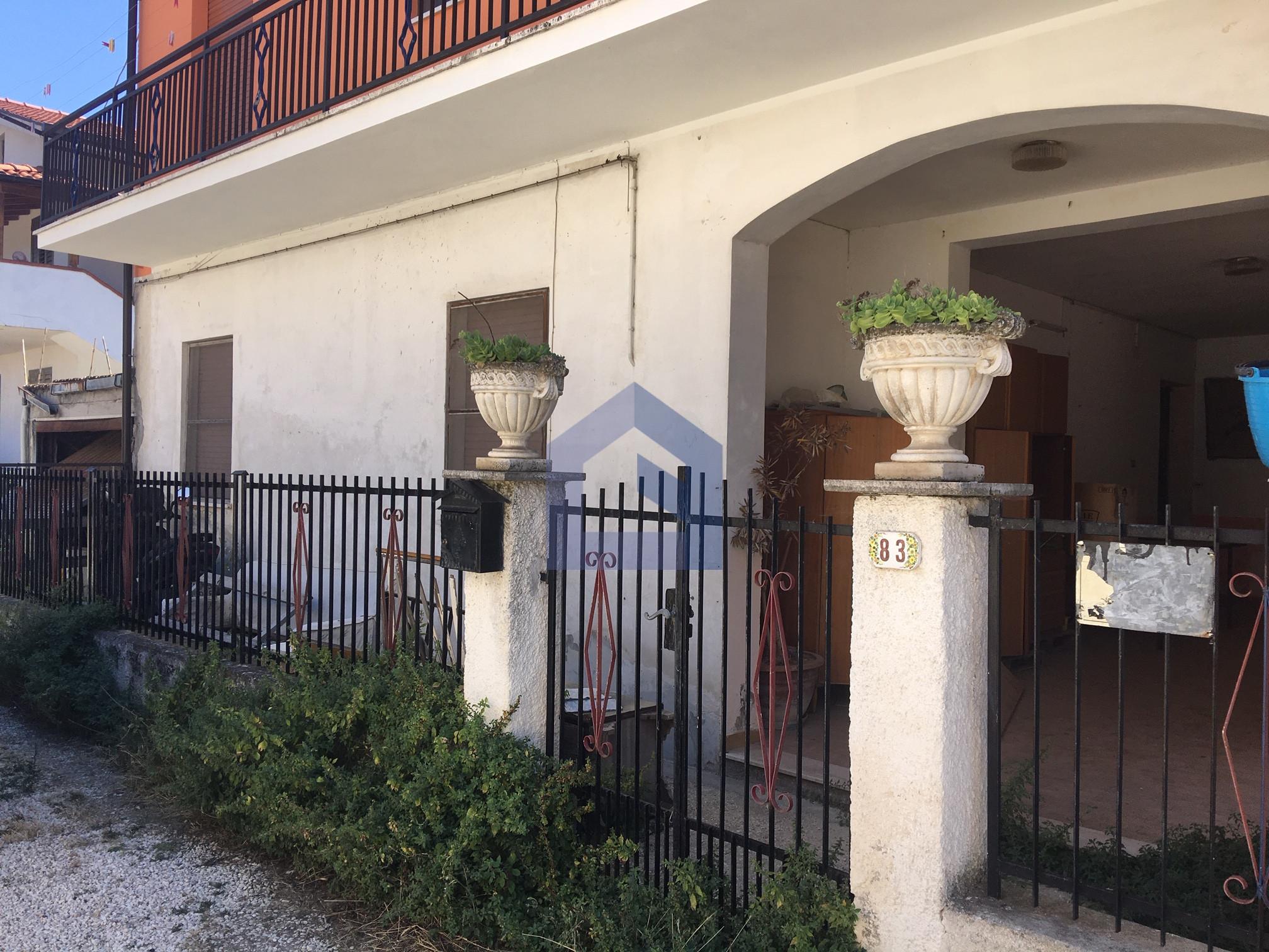(Italiano) San Vito Chietino: Ampio appartamento al piano terra