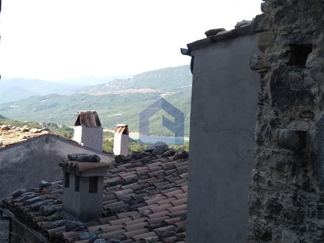 (Italiano) Bomba: immobile suggestivo in centro storico