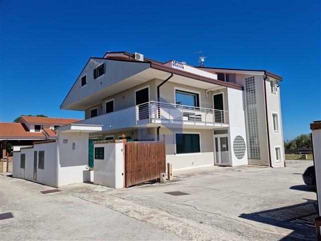 (Italiano) Treglio: Appartamento in zona residenziale